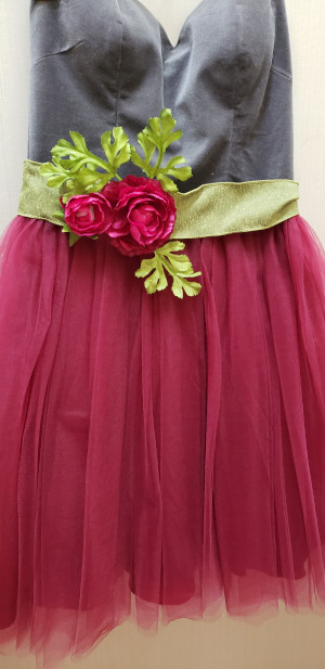 Grad dress needs an accessory?